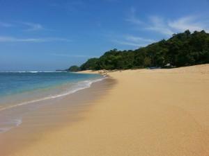 paket wisata pantai malang